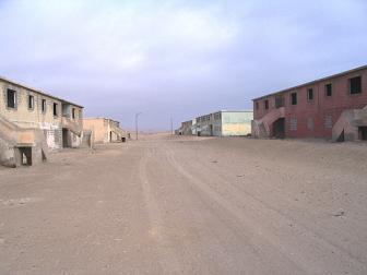 frontis de barrios en abandonototal