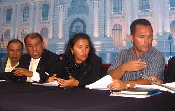 congresista yaneth cajahuanca en elcongreso