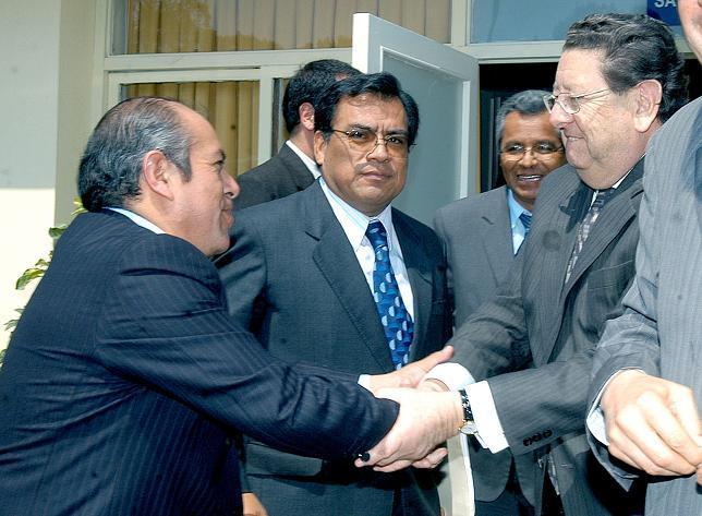Sec. Gral. de la FNTMM, Luis Castillo Carlos; el Presidente del Congreso y el Ministro de Trabajo.